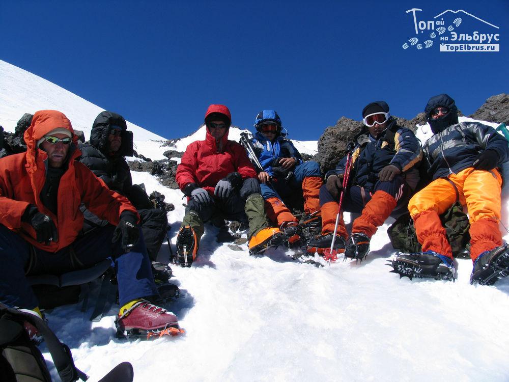 Восхождение на Эльбрус - отдых на высоте 5200 м