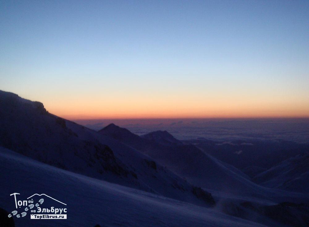 закат на северном склоне Эльбруса