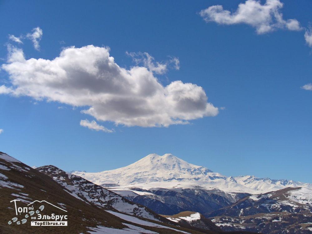 Вид на Эльбрус с горы Шатджатмас